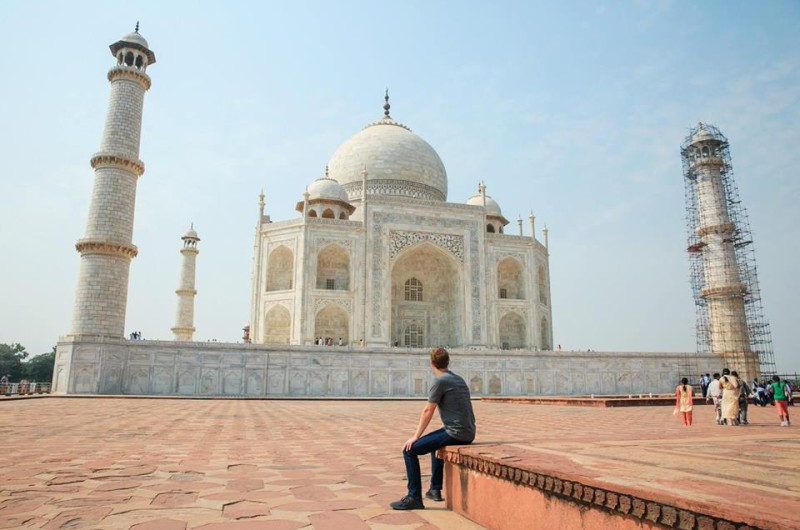 Mark Zukerberg with Taj Mahal